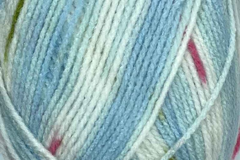 Heirloom Dazzle Star 8 ply Light Blue